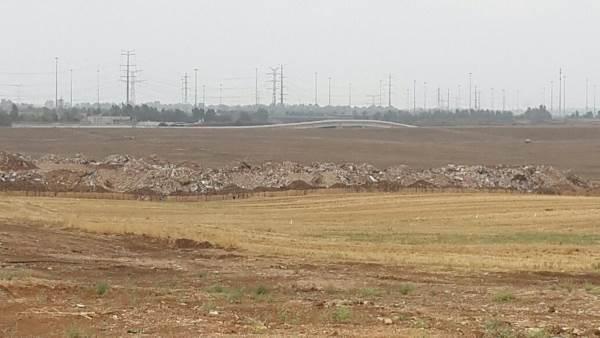 """בעיצומו של חוה""""מ: צו מניעה על המשך הכנסת פסולת בניין לשטחי אחיסמך"""