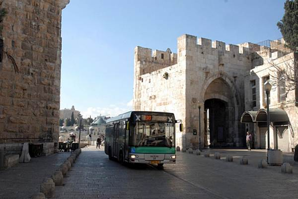 לשדרג באופן משמעותי את שירותי התחבורה הציבורית. אוטובוס|צילום: אתר pixabay.com